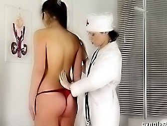 Mature lesbian pussy doctor