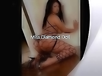 Miss Diamond Doll  and  Her Sexxxy A...