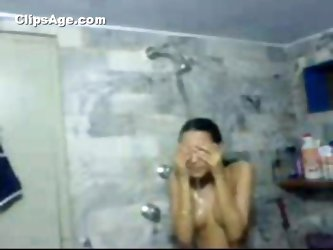 Pakistani Paki Karachi girl self made nude bath video leaked