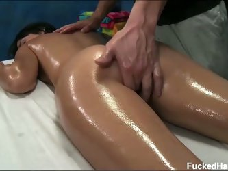 Hd sexy young mandy gets a nice massage and fingered