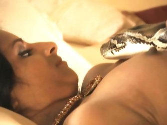 Indian hottie dances with snake