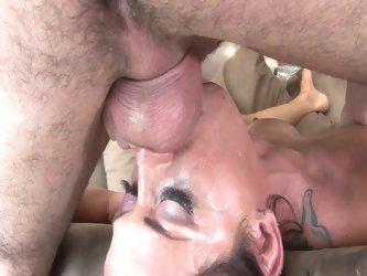 Sexy savannah stern gets her throat ravaged in hd