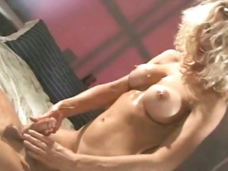 Hot mature gives hot handjob
