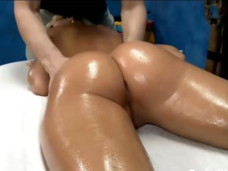 Erica gets a nice massage and fuck