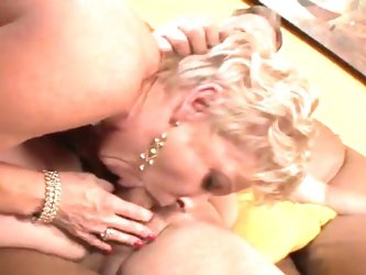 Granny champagne's smooth pussy fucked