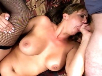 Horny brunette milf loves sizzling hot pussy and ass action