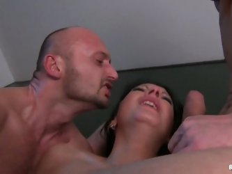 Horny Chick Fucks by the Stairs with two dudes !
