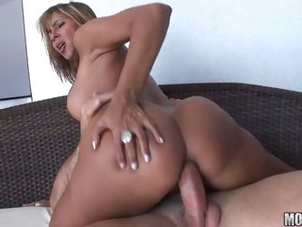 Horny brazilian hottie pounded in her asshole