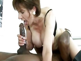 Lady Sonia love cum 1