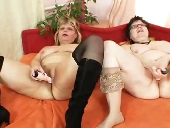 Mature lesbians filipa and vaclava play with toy