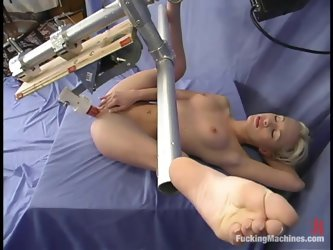 Nice Crissy Sparks gets her tight pink pussy toyed deep