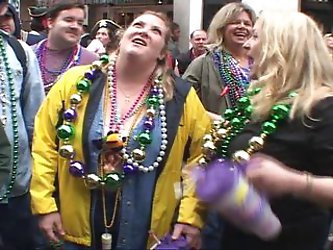 ALBOOGIE HAS THE BEST BEADS MARDI GRAS 2