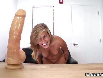 Kennedy Leigh is a newcomer in porn business and that's why we gave her a huge dildo to start. How do you see, she is pretty doing in masturbatin