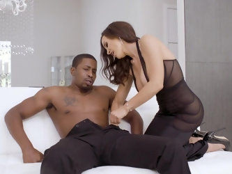Well-known pornstar Lisa Ann looks great like always. Black dress can't hide her awesome breasts. Perfect MILF comes to young black guy Isiah Max