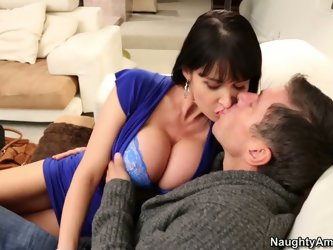 Busty Eva Karera is a very smart manager. She keeps her customers with any means. This time she blows her most favorite customer's cock as a sing
