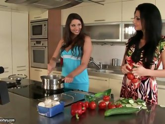 Even backstage Aletta and Ocean,Zafira know how to get things boiling. It's not just the vegetables that these two hot beauties know how to touch