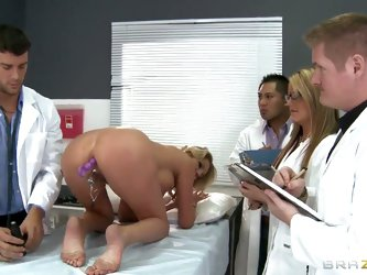 Doctor Ramon has a lesson at University. He demonstrates sexual organs of Zoey Holiday who has a really sweet and wet pussy, then the prof's dick