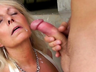 Auntie likes the soaked dick humping her pussy merciless