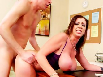 Giant jiggly booty of slutty MILF Sara Jay looks tremendous. Thick mommy gets her shaved cunt railed doggystyle and then rides her boy Mark like a cow