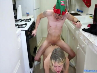 xhzt3n4 mom fucks stepson in the kitchen in front of her hus