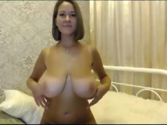 Milf with SAGGY BOOBS