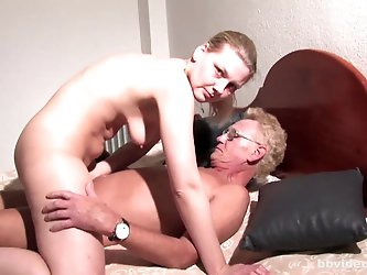 Bbvideo.com Ponytailed German babe gets DP