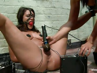 Isi Love is a hot milf who likes to punish her young sex slaves. Being an experienced sex domina, she knows how to handle Charley Chase's beautif