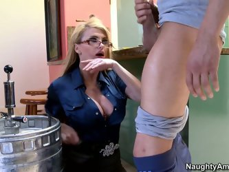 Being distributor this long haired blond head wearing glasses has a lot of stress in her work and she relaxes with giving solid blowjobs to strong coc