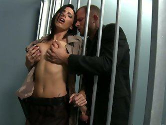 There are many ways to get out of jail, but sexy babe Juelz Ventura has gorgeous boobs and nice pussy. She seudes police officer and blows his cock.