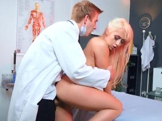 Plastic surgeon with massive cock offers beautiful patient a special treatment and she agrees. He gently penetrates blonde by table and in the end, ni
