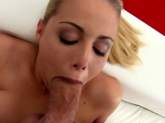 Dildo fucking and cocksucking chick in a casting video