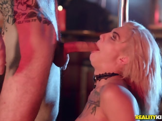 Rough deepthroat and anal fuck session with Bonnie Rotten