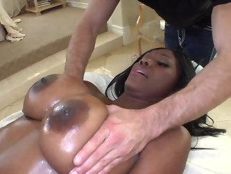 Masseur can't get enough of ass and breasts of Ebony client because they are so tight and huge for his experienced hands. He finds the most comfo