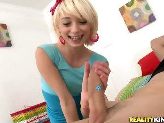 This is the first time angelic petite teen blonde Moretta handles such a thick dick. Moretta tries to stroke and suck it before she finally takes it u