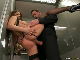 Roberta Gemma is a sexy slut in black lingerie. She gets her pussy drilled by rock hard cock of Nick Lang right in the elevator. The nice place for pa