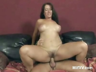 Big Tits MILF Gives Oral