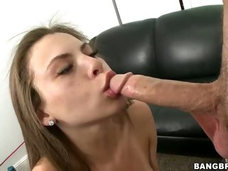 Brown haired totally naked girl Jennifer Blaze does her first porn video. She exposes her tanlined tits, sexy ass and bald meaty pussy before sucking