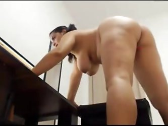 PUSSY ASS AND CURVY NUDE GIRL