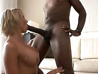 Brianna Beach Takes On Mandingo's Monster Meatpole And Ge...   4tube