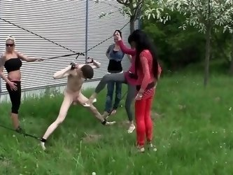 Ballbusting Outdoors