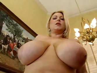 Samantha 38g is an irresistible BBW slut
