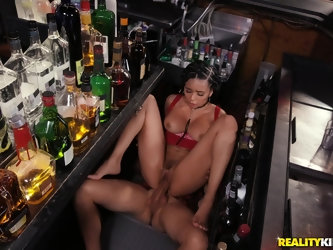 Exotic babe Aaliyah Hadid cums while getting fucked in public